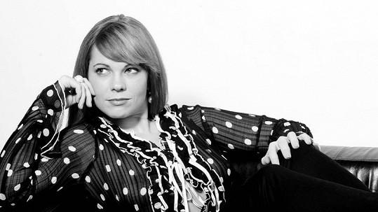 Michaela Nosková pózovala v průsvitné halence a bez podprsenky.