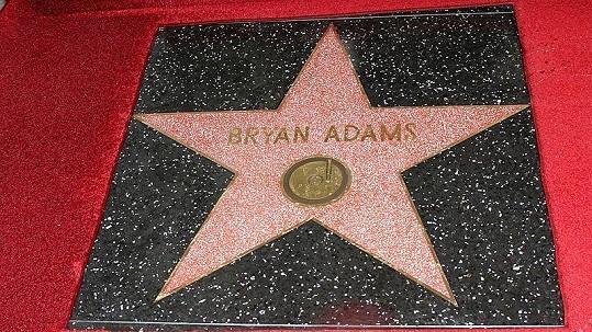 Hvězda Bryana Adamse na chodníku slávy.