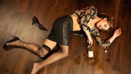 Žaneta Muchová se nafotila jako alkoholička.