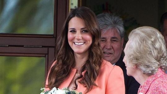 Kate Middleton by měla svého prvního potomka porodit v červenci.