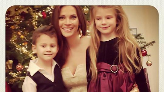 Krásné po mamince  Andrea Verešová se pochlubila spokojenými dětmi u ... b801f36b47f