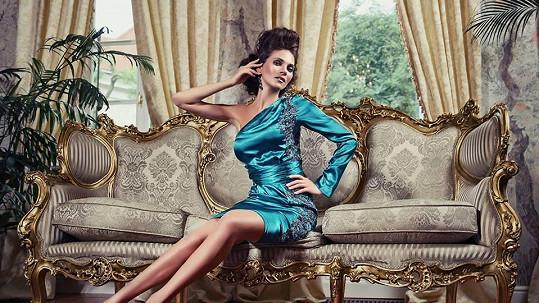 Andreu na východě obviňují, že si žije v luxusu, zatímco její bratr nemá domov.