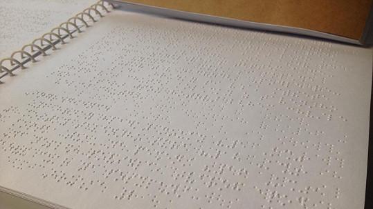 Kuchařka Ládi Hrušky v Braillově písmu