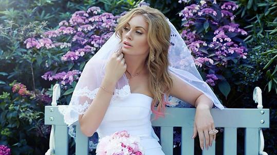 Svatební šaty Nikol budou jednou velmi jednoduché.
