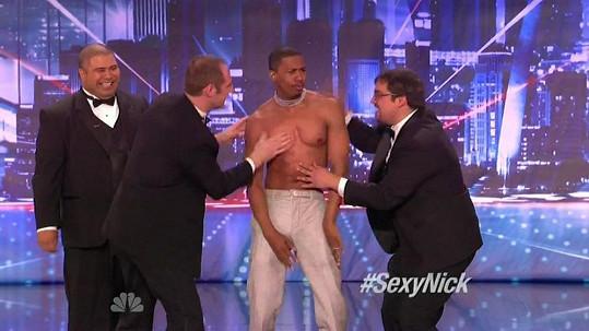 Manžel Mariah Carey udělá pro smích diváků cokoli.