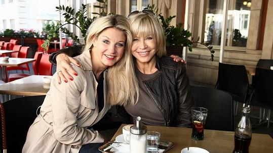 Sabina Laurinová a Jana Švandová si zahrají v novém sitcomu.