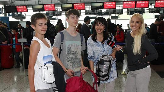 Nela Boudová se syny odletěla do Indie.