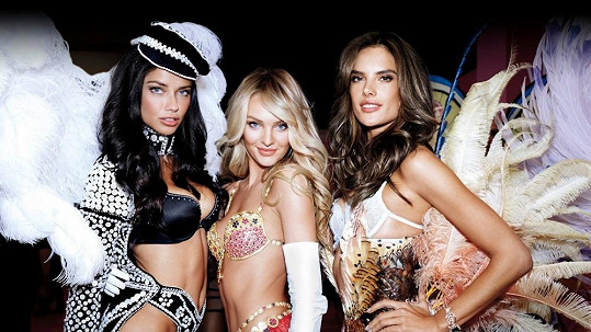 Adriana, Candice a Alessandra okouzlily Londýn...