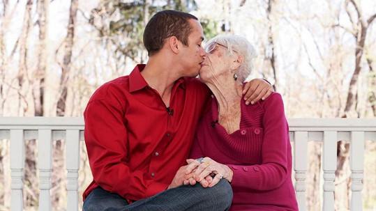 Kyle a Marjorie se milují a věkový rozdíl je netrápí.