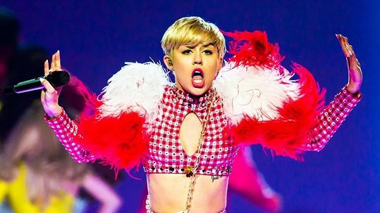 Miley Cyrus zrušila koncert.