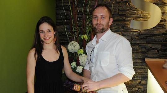 Herečka prý našla životní štěstí s divadelním ředitelem Pavlem Khekem.