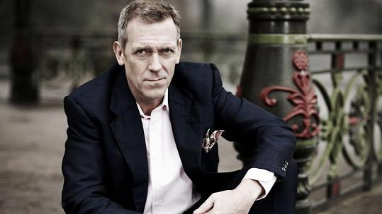 V červenci v Praze poprvé zahraje a zazpívá Hugh Laurie se svou kapelou.