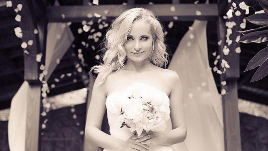 Vše na nevěstě Lucii Kachtíkové bylo dokonalé.