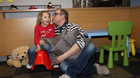 Martin Zounar dováděl s dcerou.