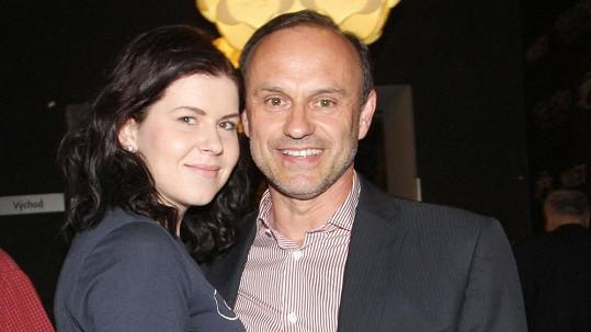 Bratr Lucie Bílé Karel s přítelkyní Adélou