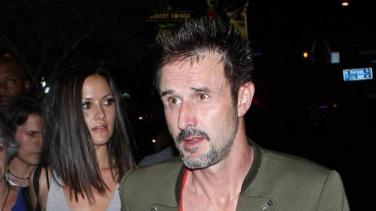 David Arquette s přítelkyní Christinou McLarty
