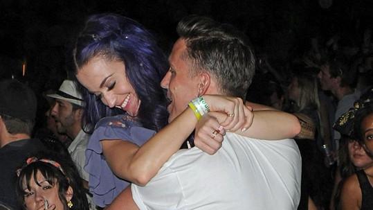 Katy Perry s Robem Ackroydem