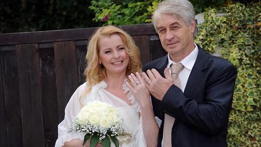 Iveta Bartošová a Josef Rychtář. Bylo jejich manželství před krachem?