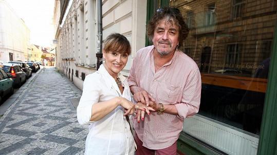 Petra Černocká s manželem