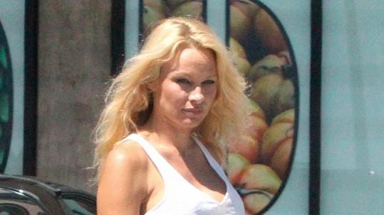 Pamela Anderson o víkendu v Malibu