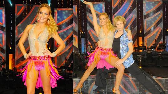 Je až s podivem, že Táně při tanci nic důležité z kostýmu nevypadlo.