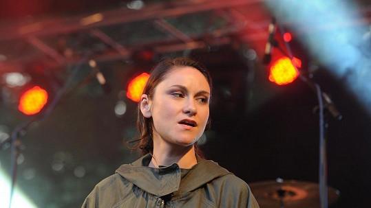 Lenka Dusilová si užívá novou roli i další cenu Anděla.