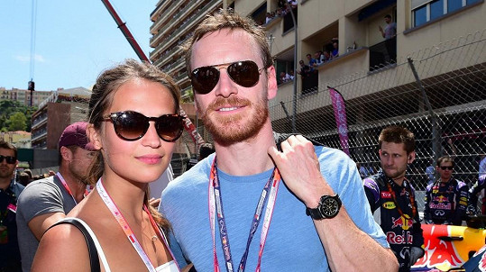 Alicia Vikander a Michael Fassbender tvoří atraktivní a úspěšný pár.