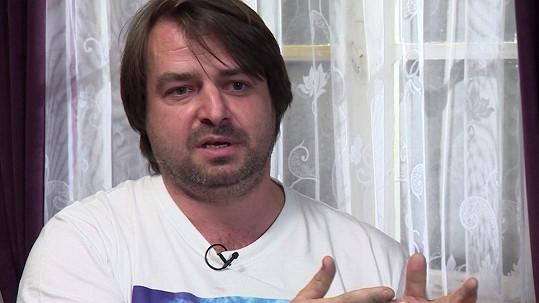 Zdeněk Macura kvůli Prostředu zburcoval policii.