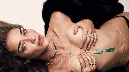 Modelka Ana Beatriz Barros nafotila odvážnou kampaň.