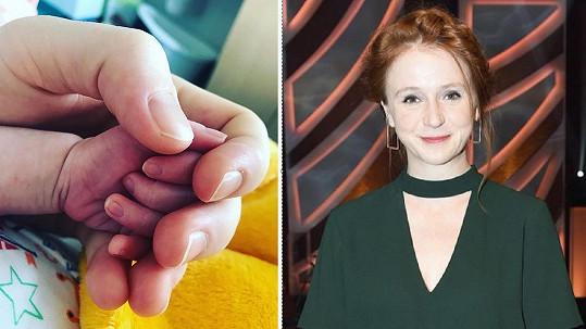 Doležalová vyfotila ručku své dcerky