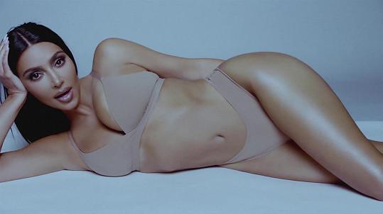 Kim Kardashian navrhla oblečení pro americké sportovkyně.