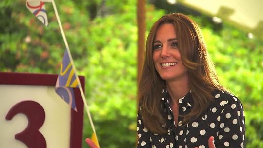 Vévodkyně Kate zesvětlila vlasy.