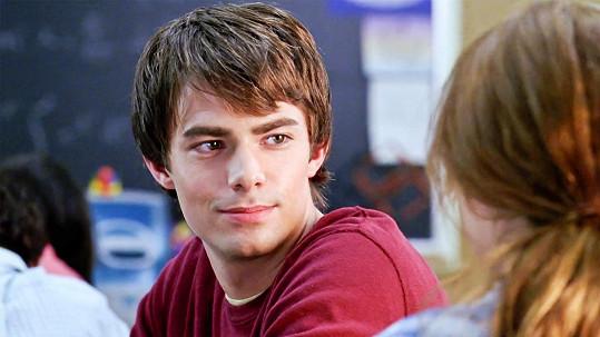 Jonathan Bennett jako Aaron ve filmu Protivný sprostý holky