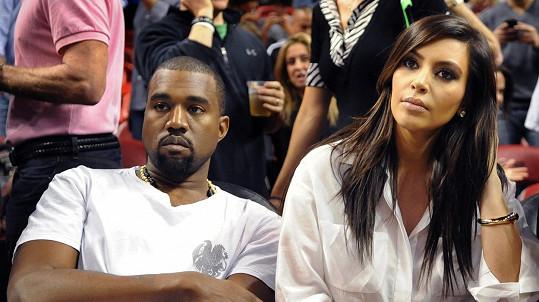 Kim a Kanye jsou opravdu v balíku.