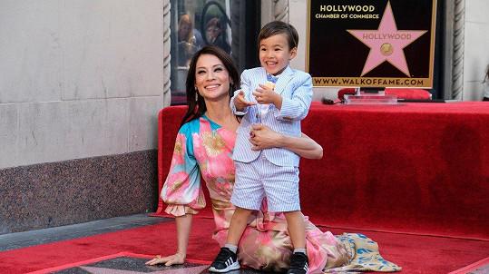 Lucy Liu ukázala roztomilého synka Rockwella.
