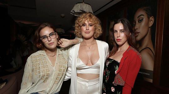 Zleva: Tallulah, Rumer a Scout Willis vyrazily na večírek.
