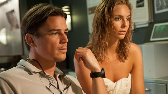 Josh Hartnett a jeho partnerka Tamsin Egerton si spolu zahráli ve filmu The Lovers.