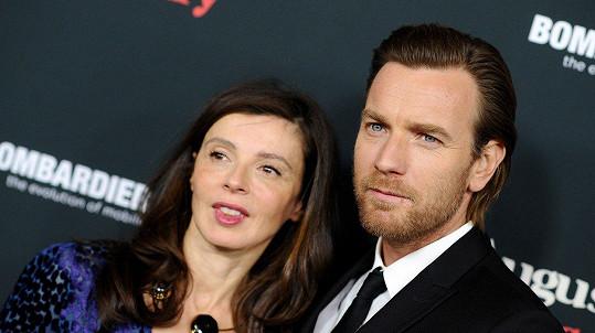 Ewan McGregor a Eve Mavrakis se rozvádějí.