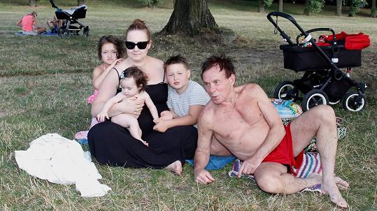 Jan Saudek s rodinou