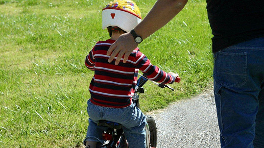 Dětské kolo by tátové měli nechat dětem... Ilustrační foto