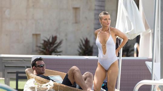 Joanna Krupa relaxuje s manželem v Miami.