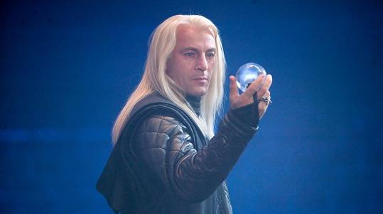 Jason Isaacs jako Lucius Malfoy