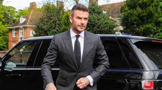 David Beckham jde na slyšení v Londýně.