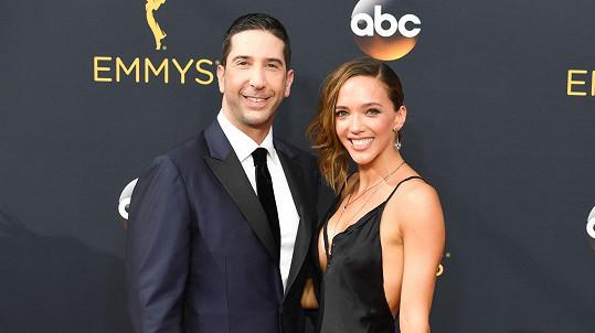 David s manželkou Zoe na fotce z loňského roku....
