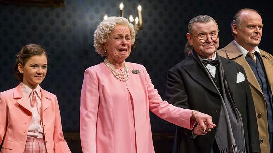 Iva Janžurová se vrátila na divadelní jeviště.
