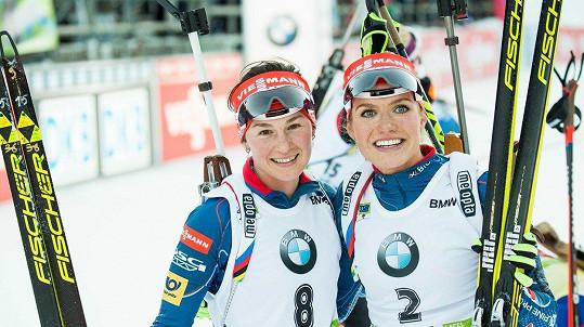 Veronika Vítková a Gabriela Koukalová (vpravo) vypadaly jako kamarádky, ale opak byl pravdou.