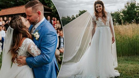 Takhle to herečce a jejímu manželovi slušelo ve svatební den.