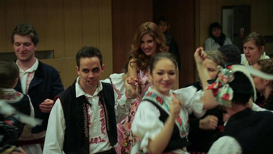 Petr Lexa a Kateřina Krobová v klipu k písni Fáze pád