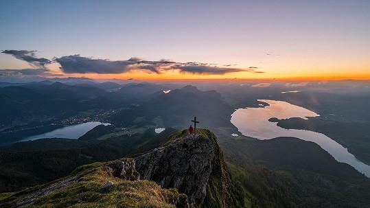Výhled z hory Schafberg na Mondsee