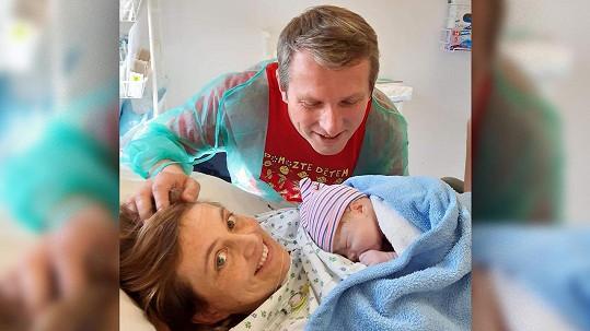 Vladimír Kořen s manželkou a novorozeným synem